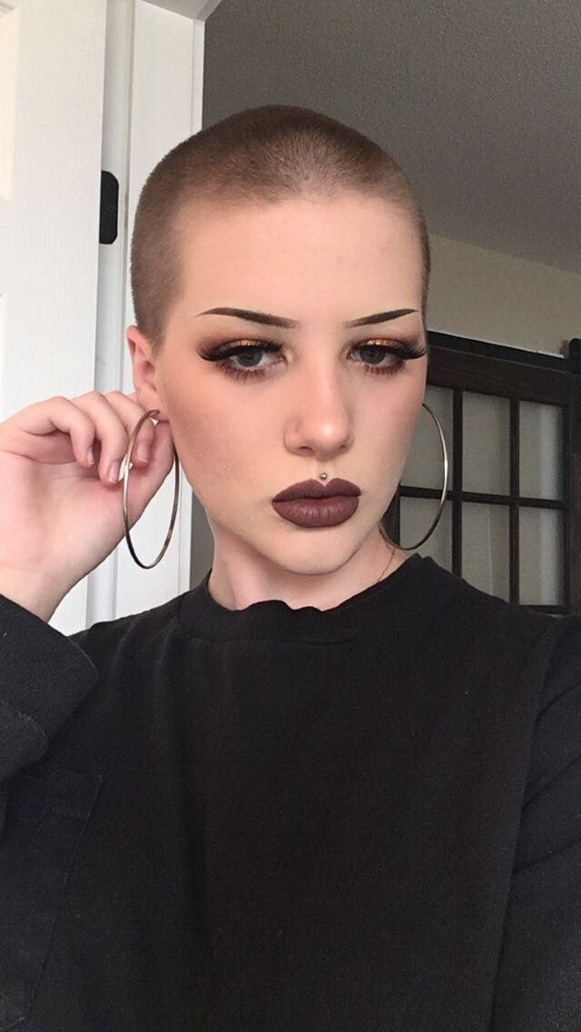 Pin by Mstr Z on Bald women in 2019   Shaved hair, Hair ...
