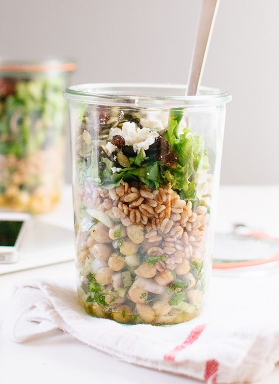 Mason jar salad recipe with chickpeas, farro and greens - cookieandkate.com