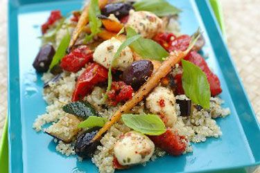 Quinoa, bocconcini and summer vegetable salad