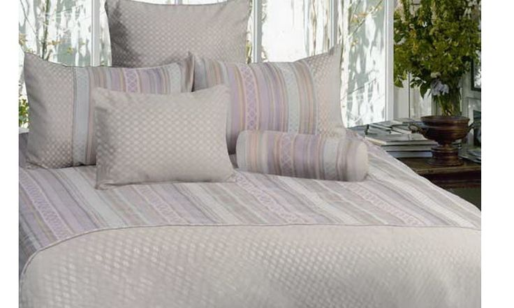 Selsdon King Bedding set by Phase 2