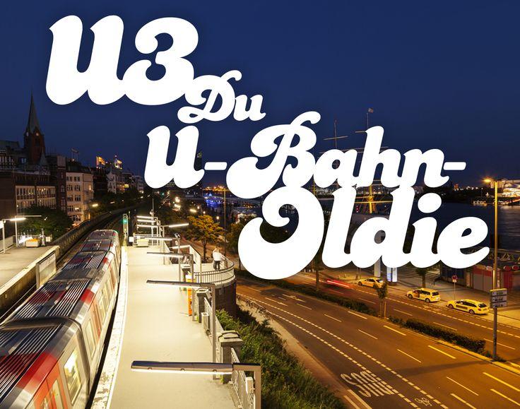 Fast schon etwas nostalgisch! 😌 Die U3 gilt nicht nur als eine der schönsten U-Bahnstrecken Deutschlands, mit der man in 38 Minuten an vielen Sehenswürdigkeiten vorbeifährt. Wie die Elphi, der Hafen mit seinen bekannten Schiffen, die weißen Patrizier-Bauten in Eppendorf, sowie die Brücken und Alsterkanäle. Sie ist sogar eine der ältesten Linien mit ihren insgesamt 26 Haltestellen auf knapp 21 Kilometern. Top! ✌️