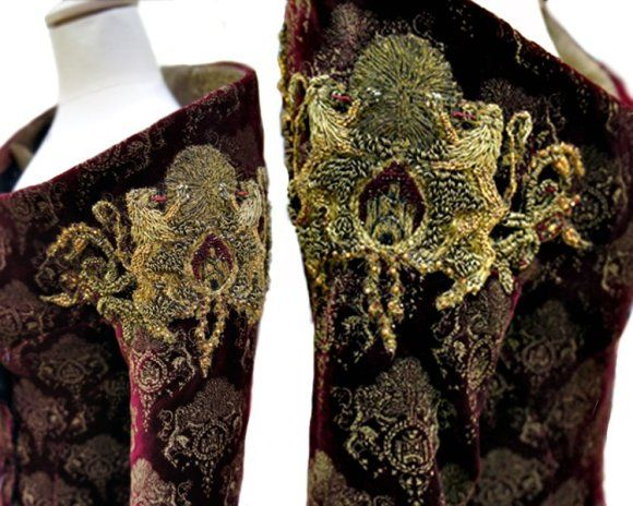 I never noticed how incredibly detailed the costumes are in Game of Thrones #costumes #ornaments