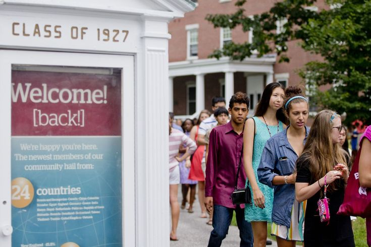 Bates College attracts record number of applications for incoming class #college