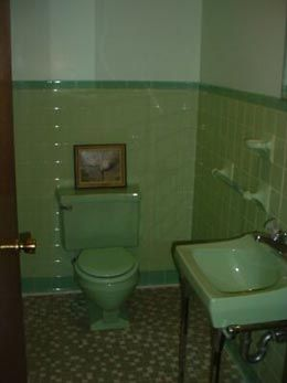 91 best green 1950 39 s bathrooms images on pinterest 1950s for Avocado bathroom suite ideas