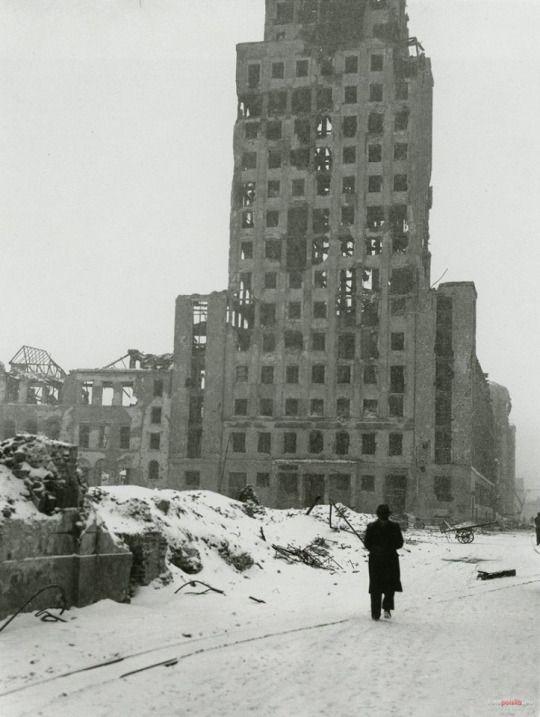 Warsaw/Warszawa, Prudential, 1946. By John Vachon.