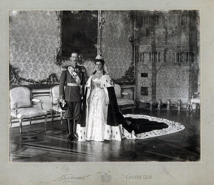 Grand Duchess Elena Vladimirovna and Prince Nicholas of Greece and Denmark on their wedding day, taken in the Portrait Hall of the Catherine Palace at Tsarskoye Selo. Credit: Tsarskoye Selo State Museum Preserve