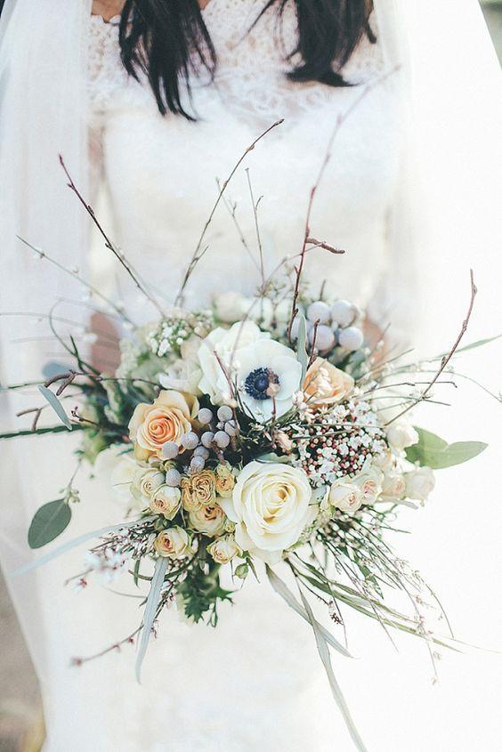 21 Ultra Unique Winter Wedding Bouquets August Flowersaugust