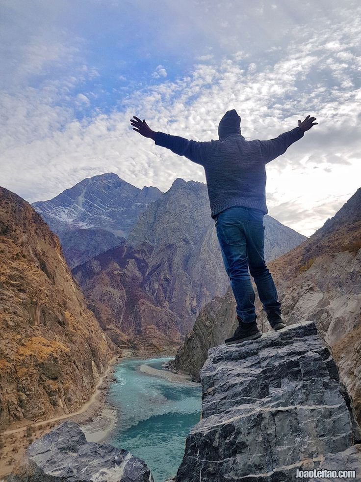 15 Amazing Places to Visit Tajik Wakhan Corridor. Castles, Desert, River, Mountains, Beaches, Villages, Petroglyphs. Discover beautiful travel destinations.