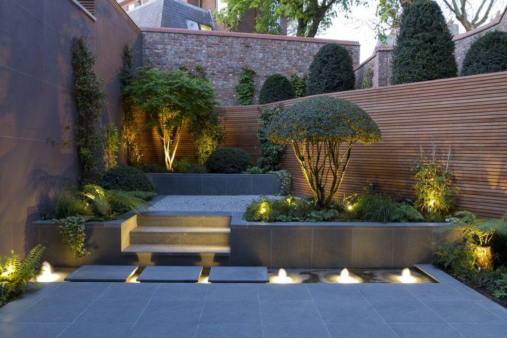 Ambiance du cr puscule dans ce patio urbain graphisme pur for Ambiance jardin paysagiste