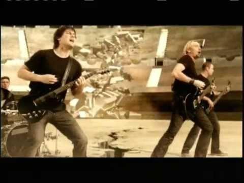 Gotta Be Somebody de Nickelback.. una  canción con mucha fuerza y que me gusta!