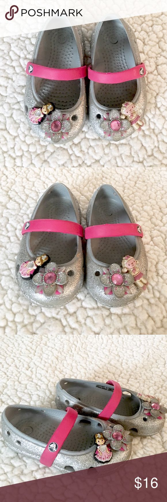 Gorgeous Toddler Crocs Like New! Gorgeous Toddler Crocs Like New condition. Came with the flowers in the middle but not with the accesories(pins) CROCS Shoes Sandals & Flip Flops
