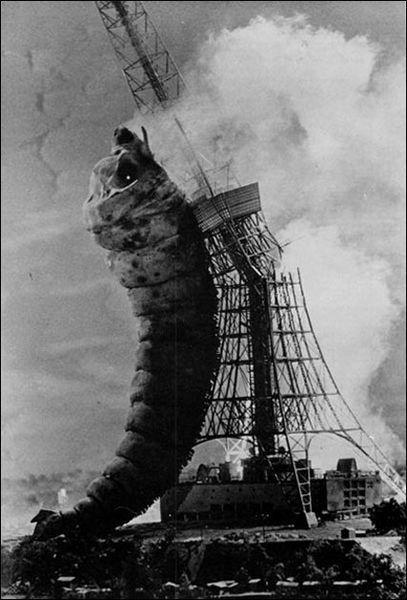 Enjoy Paris.............Mothra Larva 1961