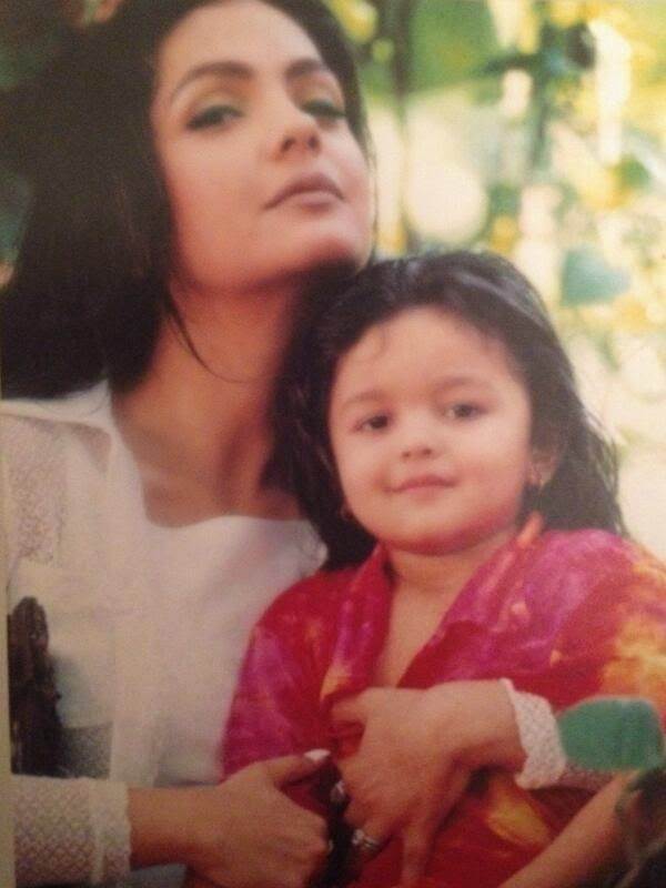 alia bhatt looking cutie