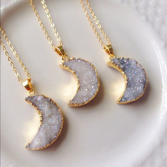 "SALE!18k gold plated moon druzy necklace This gorgeous aura moon druzy is made  from natural stone. Electroplated in 18k gold. The colors are sparkly and so gorgeous. It also changes from white to a light lusty gray depending on the light. Necklace chain is 18k gold plated. Handmade & brand new. Length of chain is 18"". Would make a gorgeous layering necklace! Bundle & save 15% on 3+ items.Tags:boho,moon child,crystals,summer,bohemian Abbie's Anchor Jewelry Necklaces"