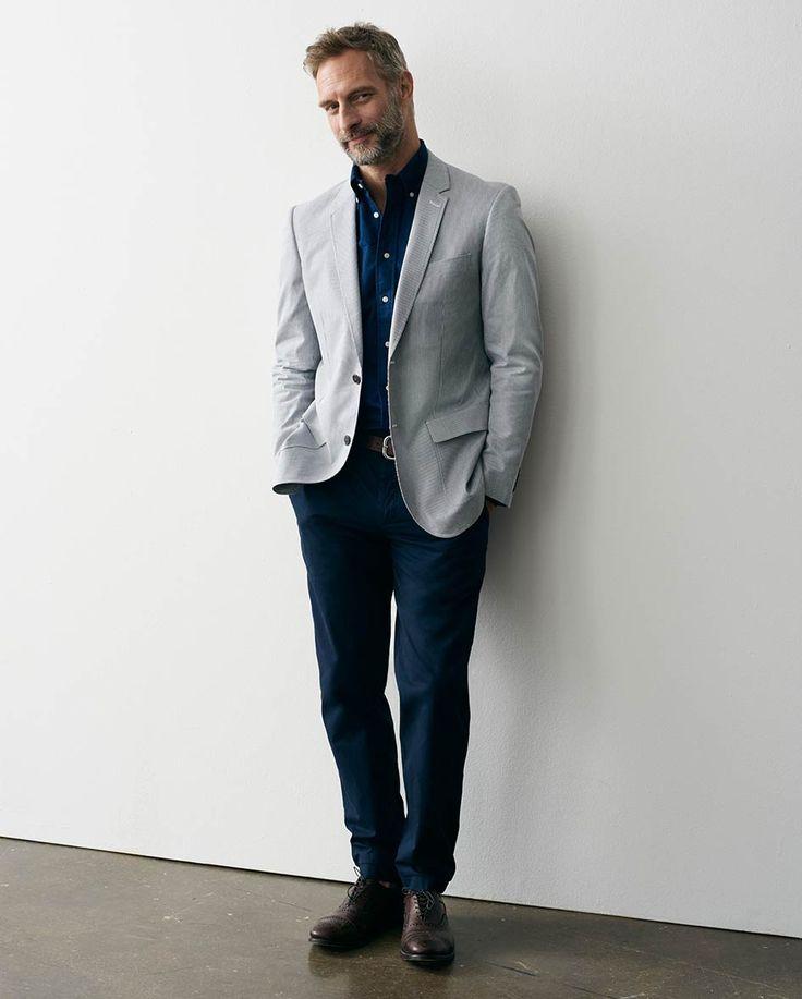 how to wear a light grey blazer