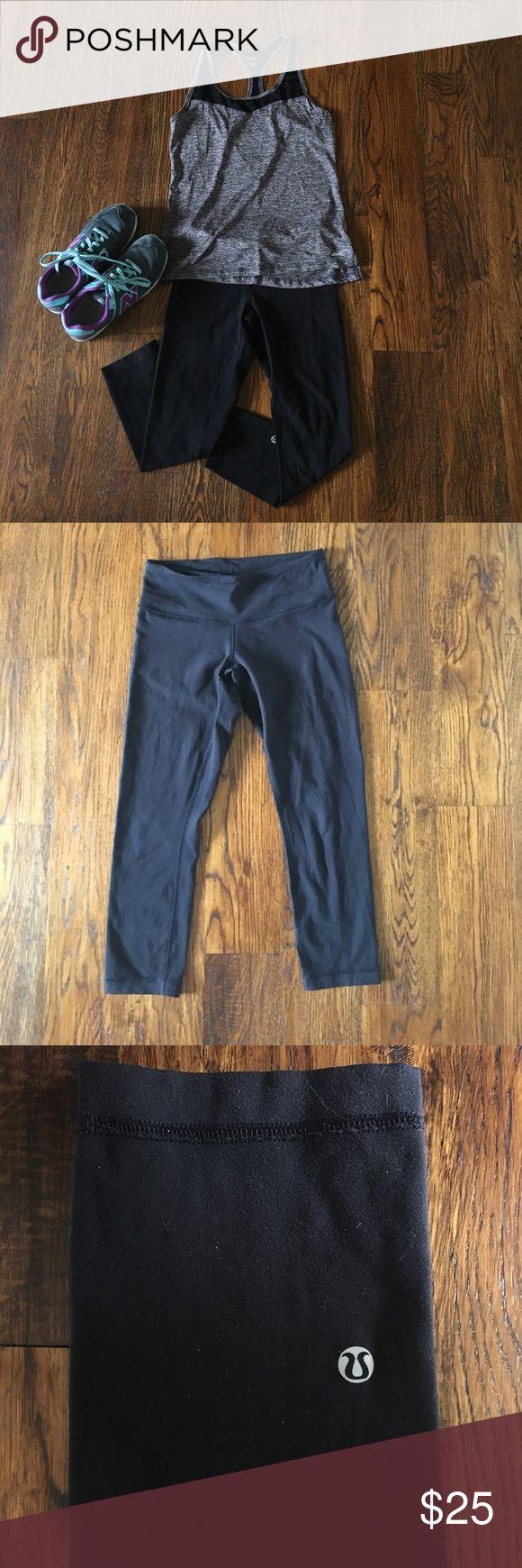 LULU LEMON Black Leggings LULU LEMON Black leggings. Capri length leggings size 4. Fit great and as always they are the best booty push up bra :) lululemon athletica Pants Leggings