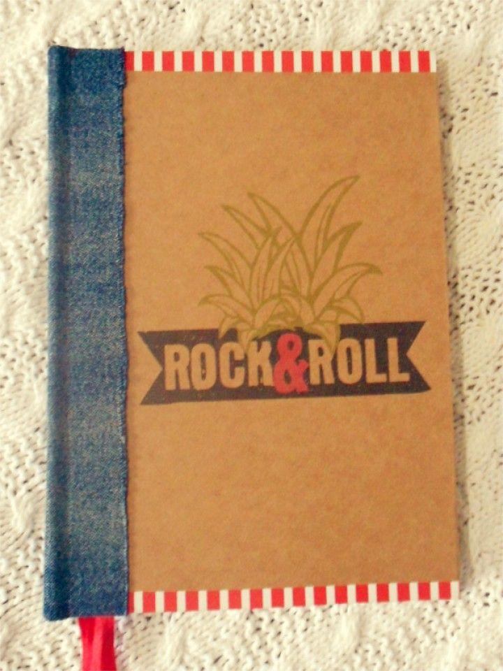 Cuaderno, encuadernación tradicional artesanal, tamaño A5, 64 hojas recicladas, lomo de jean.