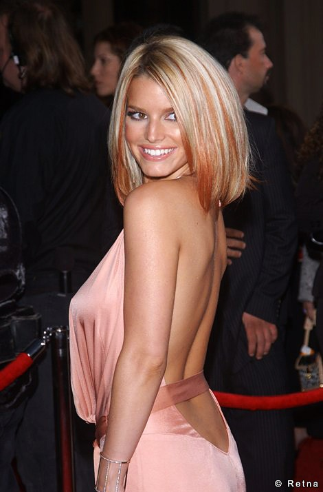Jessica Simpson...  sexy & beautiful!