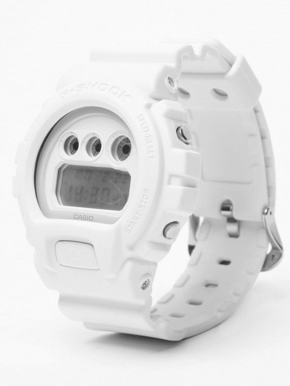 CASIO G-SHOCK – DW-6900 – WHITE - I like this one..
