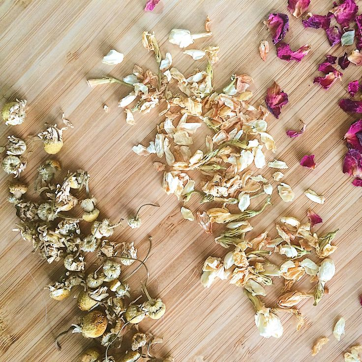 Beautiful rose, chamomile and Jasmine are key ingredients in our floral facial steam