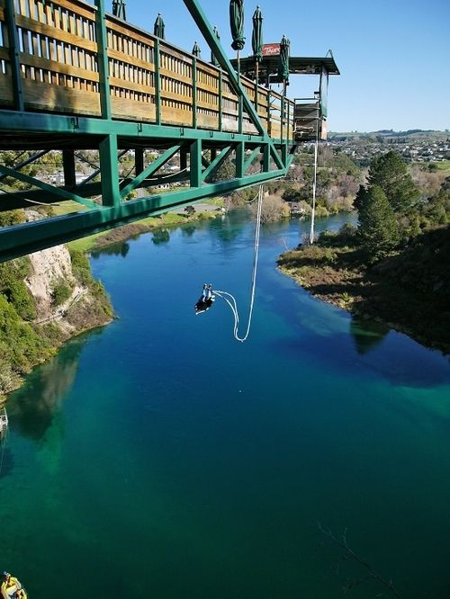 Bungee Jumping from the famous Kawarau Bridge Bungy in New Zealand