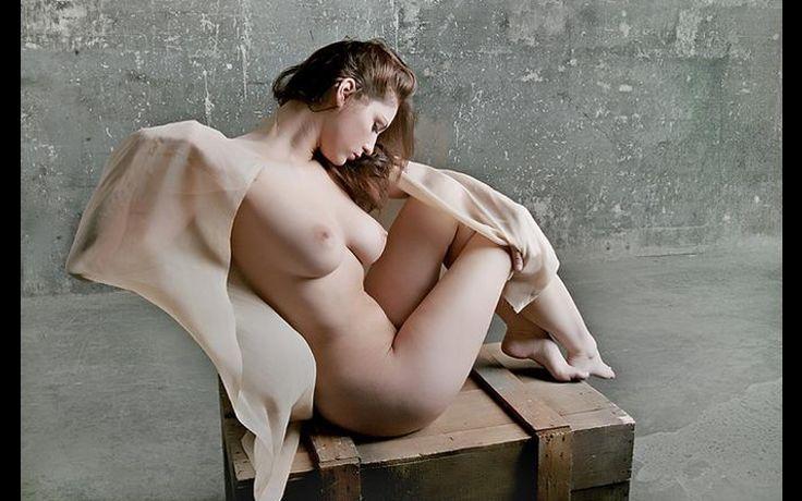 erotic rodin poses position