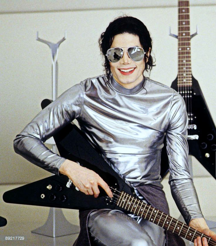 """""""... Happy days will drown the pain...""""   Excerpts from King of Pop Music ღ - by ⊰@carlamartinsmj⊱"""