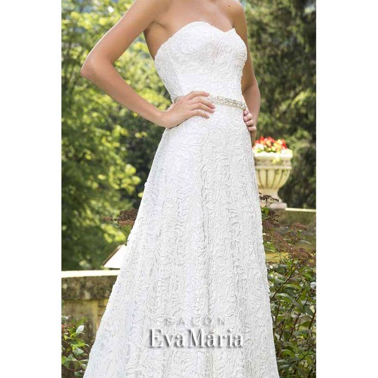 Svadobné krajkované šaty s opaskom Vanessa