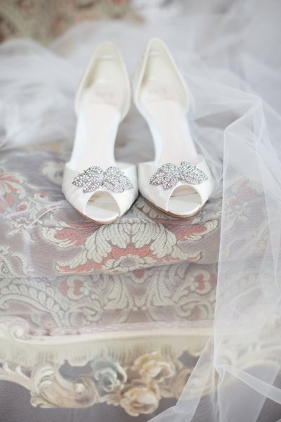 Jenny Packham shoes- ivory and silver wedding shoes
