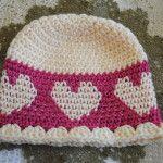 hearts go round free valentine's day hat pattern