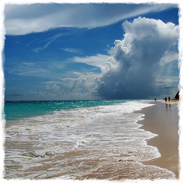 .: Beaches Beautiful, Blue Ocean, Ocean Meeting, Beaches Beaches Beaches, Ocean Blue, Beautiful Sea, Beaches Dreams, Sea Beautiful, Meeting Sky