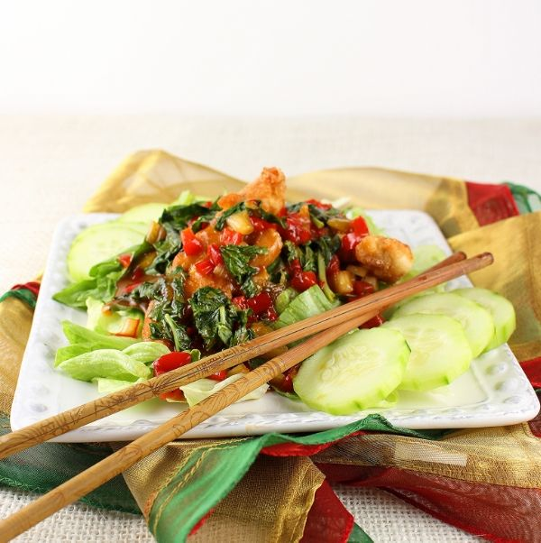 Volcano Chicken- Crispy spicy chicken in a Thai chilli and garlic sauce, over crisp lettuce #thai #recipes