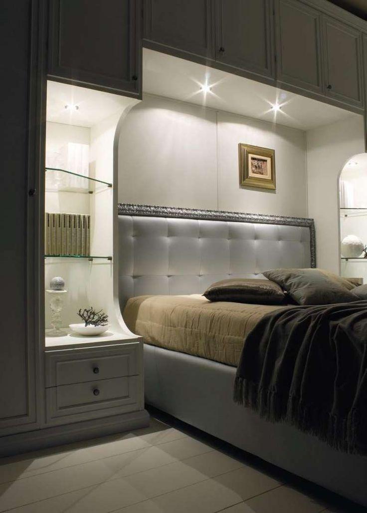 Mobili di lusso per la camera - Camera da letto matrimoniale a ponte con faretti a incasso.