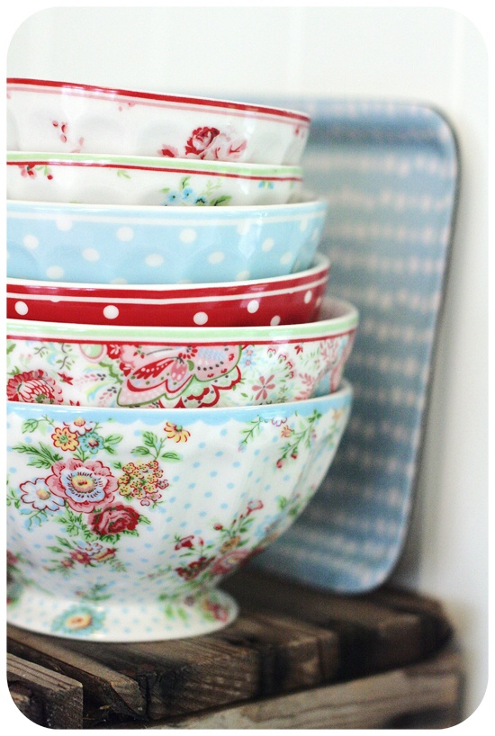 Bowls that look just like Cath Kidston!