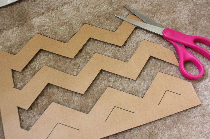 Sugar and Chic: Clever way to make a Chevron template