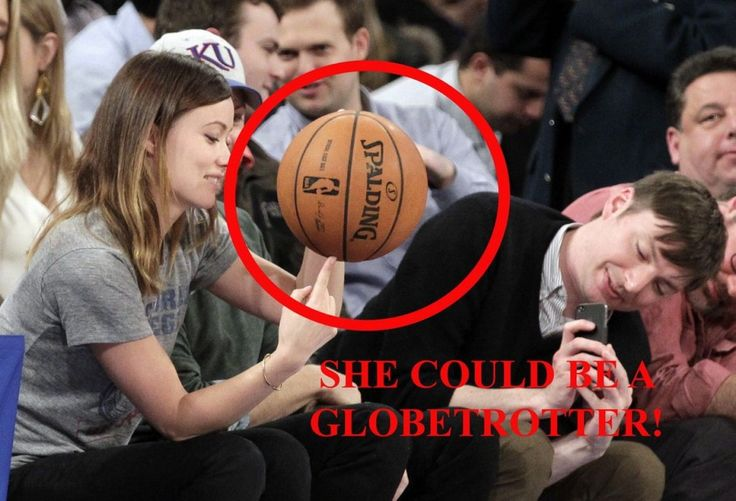 Accetta la sfida e sembra non aver problemi con la pratica del basket. Lei è Olivia Wilde e assiste alla partita tra i Toronto Raptors e i New York Knicks al Madison Square Garden quando le viene offerto un pallone. Un paio di palleggi sul parquet e poi la sorpresa: la palla che ruota, senza