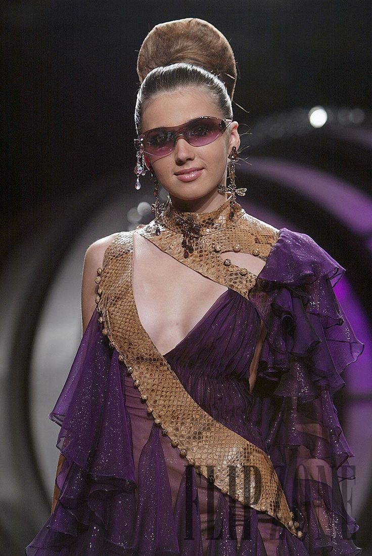 Ella Zahlan Φθινόπωρο-χειμώνας 2005-2006 - Υψηλή ραπτική - http://el.flip-zone.com/ella-zahlan,371