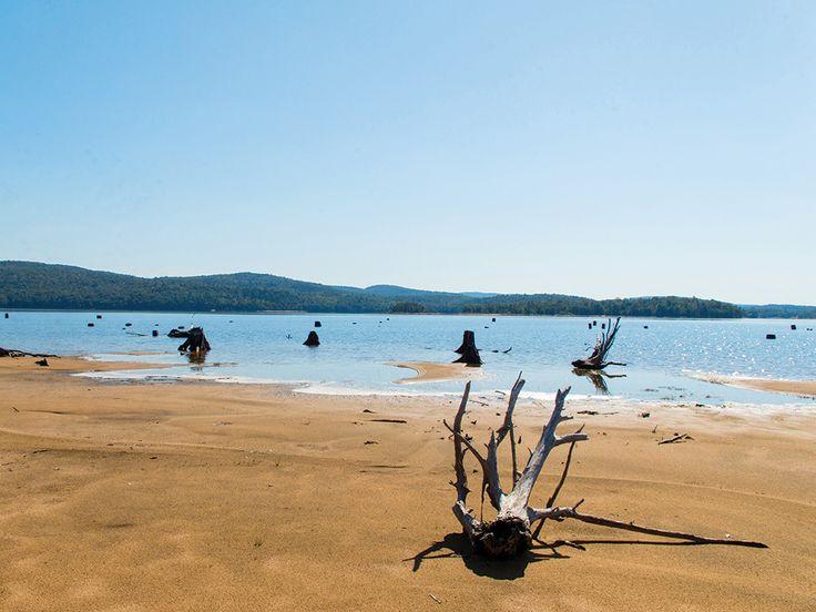Camping nature, vélo champêtre, virée insulaire ou visite électrisante, voilà de quoi savourer l'été sans se ruiner.