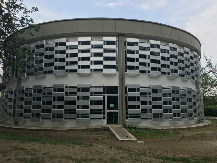 Biblioteca pública en la Ciudadela Educativa Académico.