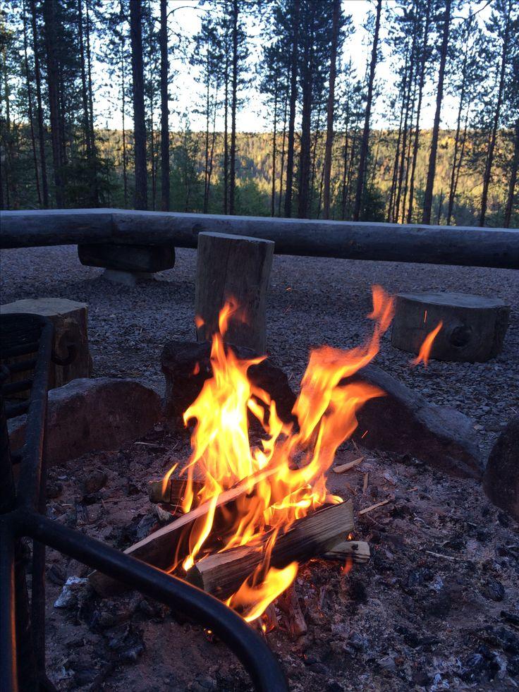 Bonfire. Oulanka nationalpark. Kiutaköngäs. Kuusamo. Finland. Trekking. Camplife