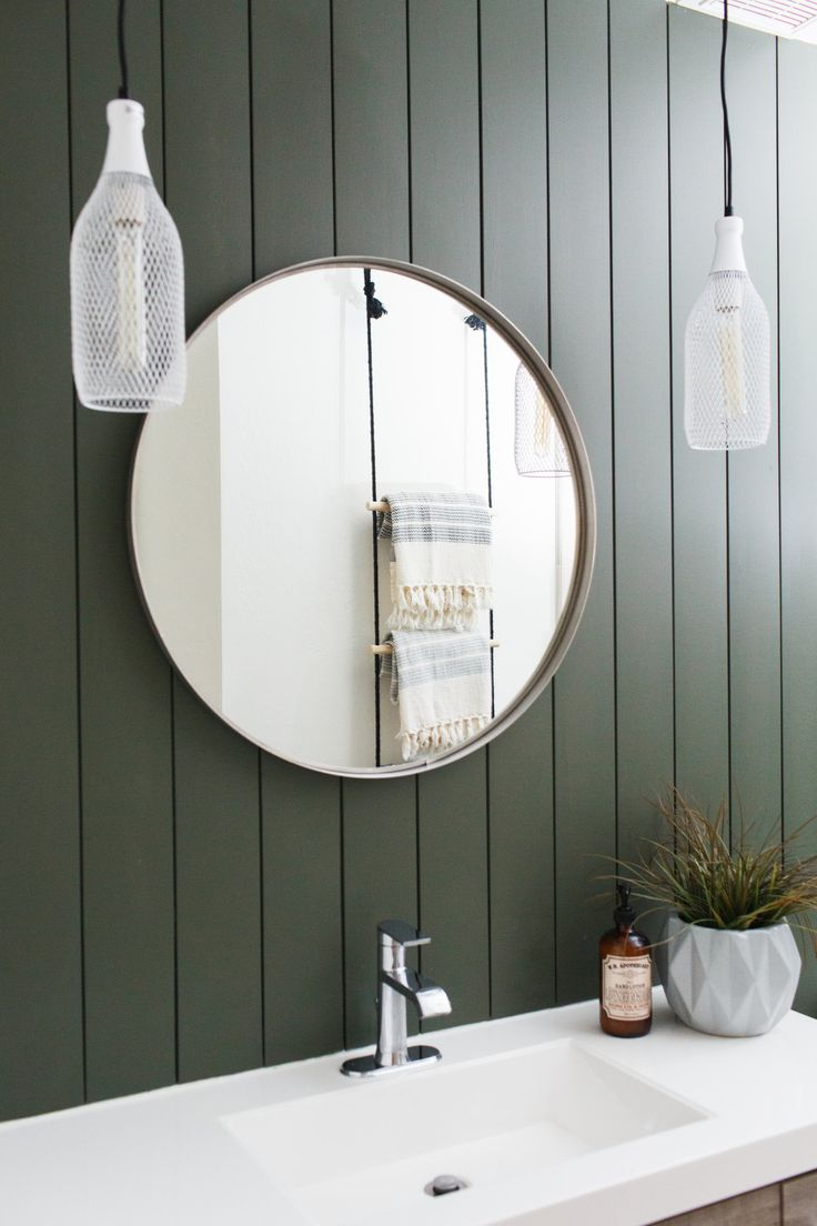 pictures to hang in master bathroom%0A DIY Hanging Ladder