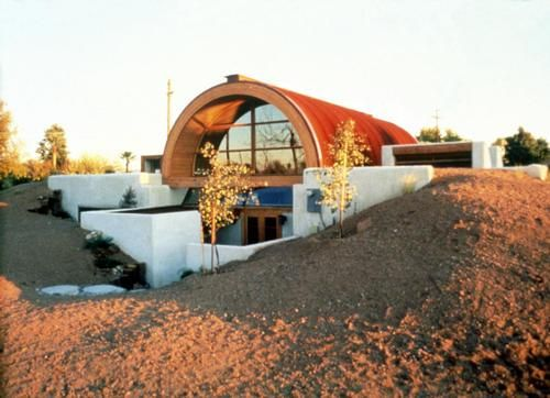 This house in Tempe, Arizona, uses earth-sheltered construction methods to help decrease cooling costs. | Photo by Pamm McFadden