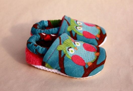 Hey, I found this really awesome Etsy listing at https://www.etsy.com/listing/80939957/baby-girl-owl-shoes-owl-crib-shoes