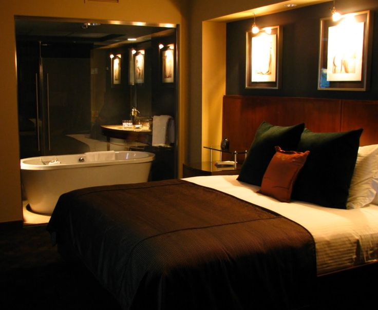 """Hotel 1000 in Seattle, Washington, USA The hotel's rooms come equipped with a body heat sensor alert so you don't have to press the """"Do not disturb button."""" Source: http://gopackandtravel.blogspot.sg/2010/10/favorite-hotels-hotel-1000-seattle.html"""