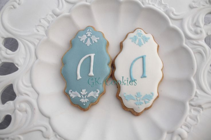 Stenciled and monogrammed christening cookies!