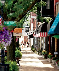 Downtown Glen Ellyn, IL- wonderful place to grow up (well, at least in the 90's it was).