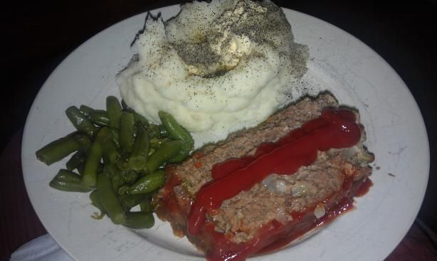 Cracker Barrel Meatloaf...I've made this for Troy a couple of times and it really is almost just like cracker barrel!  yum!