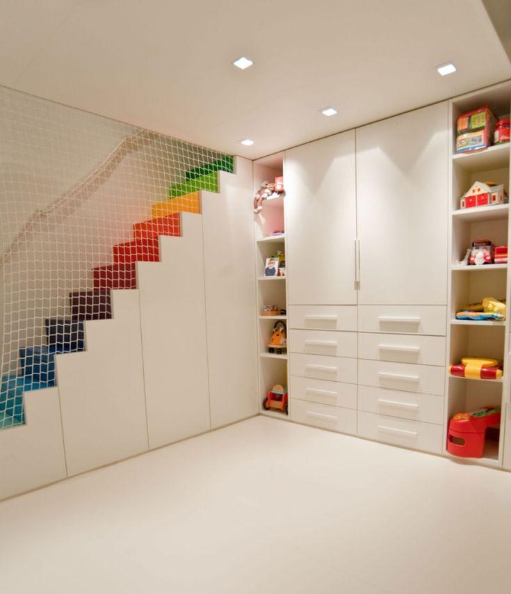 nahtlose Deckenpaneele in Weiß für modernes Kinderzimmer
