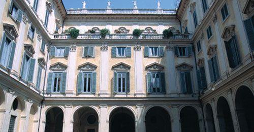 Palazzo Altieri. Cortile interno. Roma. Italia.
