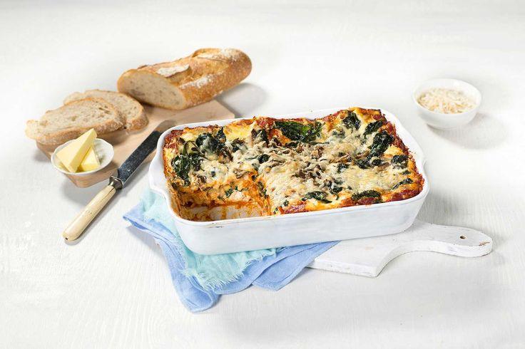 Denne lasagnen er helt uten kjøtt, men er både mettende og har mye smak. Dette er vegetarisk kosemat med smak av Italia.